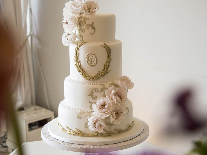 Wades Cakes We Specialise In Individually Designed And Flavoured